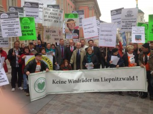 Demonstration  vor dem Landtag
