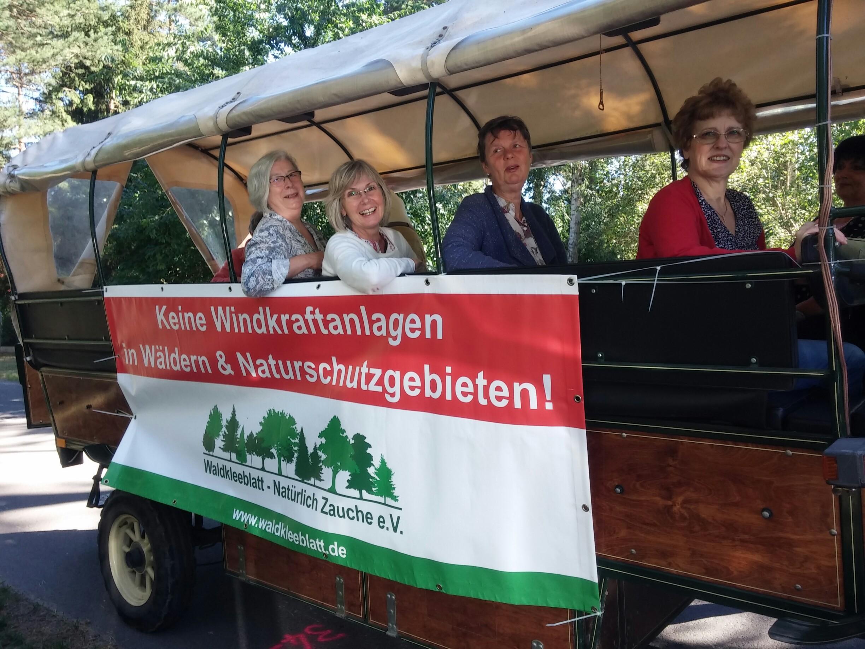 Festumzug zu 110 Jahren Fichtenwalde – Die BI war dabei!