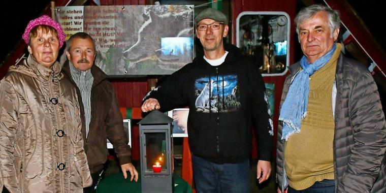 Wolfsfreunde zünden Kerze an / Bad Belzig hat eigenes Wolfsrudel / Wolfsbefürworter gegen Verteufelungen
